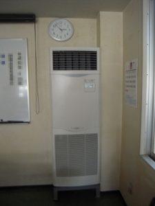 4. 新設エアコンの室内機取付完了です。