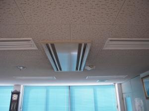 既設エアコン室内機 現状の取付状況です。