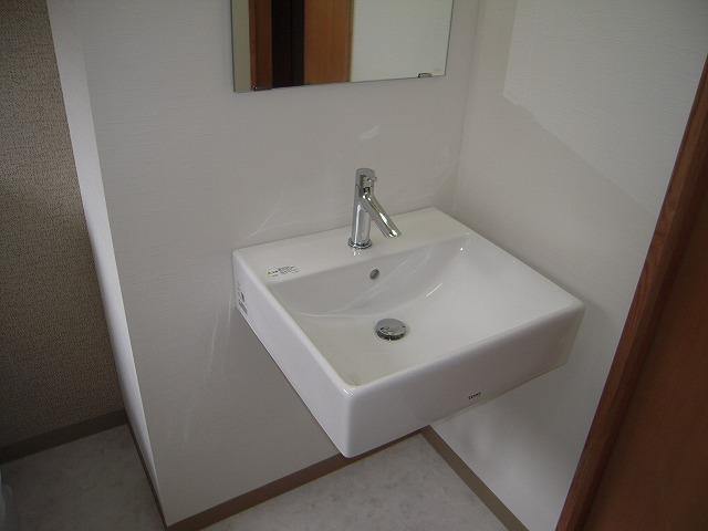 K様邸 トイレ内手洗器改修工事施工後